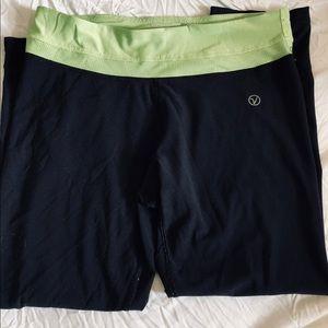 Cropped sports leggings !